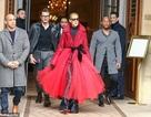 Celine Dion liên tục gây ấn tượng với thời trang khác lạ