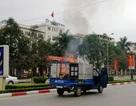 Hy hữu: Xe tải bốc cháy khi chở nồi bánh chưng đang nấu dở