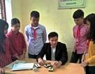 Thầy giáo trẻ luôn quan tâm định hướng tương lai cho học sinh miền núi