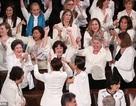 """Các """"bóng hồng"""" đảng Dân chủ gây bất ngờ cho ông Trump tại Thông điệp Liên bang"""