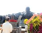 Hàng ngàn du khách tham quan Tượng đài Mẹ Việt Nam Anh hùng dịp Tết