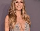Heidi Klum lấp ló ngực đầy