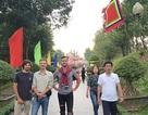 Hàng ngàn lượt du khách tới Đền thờ Hoàng đế Quang Trung ngày đầu xuân