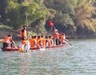 Sôi động giải đua thuyền ngày Tết trên lòng hồ thủy điện