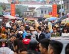 """Hàng vạn người đổ về phiên chợ """"mua may bán rủi"""" ở Nam Định"""