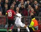 Đội trưởng Man Utd thoát thẻ đỏ sau tình huống chơi xấu Di Maria
