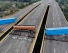Hàng viện trợ châm ngòi cuộc đối đầu căng thẳng tại biên giới Venezuela