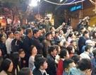 Hà Nội: Xếp hàng từ rạng sáng mua vàng đón Vía Thần Tài