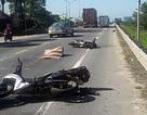 Nhóm du khách nước ngoài va chạm với xe đầu kéo, một phụ nữ tử nạn