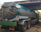 Tạm giữ xe bồn chở 18.000 lít xăng không rõ nguồn gốc bán cho các cây xăng