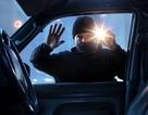 Hi hữu trường hợp bị trộm ô tô khi đang ngủ ở hàng ghế sau
