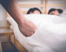 Bắt quả tang vợ ngoại tình: Khi nỗi đau quá lớn