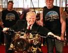 Hút mắt với chiếc chopper độ vàng 24k của Tổng thống Donald Trump