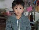 Nghẹn lòng cảnh cậu bé 10 tuổi bị mồ côi cả bố lẫn mẹ trong vòng 1 tuần lễ