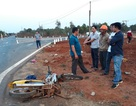 Liên tiếp các vụ ô tô va chạm với xe máy, 5 người tử vong
