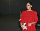 Bà bầu Meghan Markle kiều diễm với váy đỏ