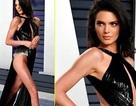 """Kendall Jenner gây choáng với váy xẻ """"hết nấc"""""""