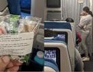 Trầm trồ cách cư xử văn minh trên chuyến bay của một người mẹ trẻ