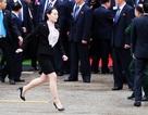 Em gái đích thân kiểm tra nhà ga trước khi ông Kim Jong-un xuống tàu tại Lạng Sơn