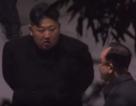 Video ông Kim Jong-un nghỉ tại ga Trung Quốc trước khi tới Việt Nam