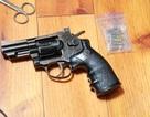 Bắt nhóm buôn ma tuý trang bị súng đạn ở Bình Dương