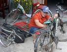 """Thầy giáo """"giữ chân"""" học trò bằng những chiếc xe đạp cũ"""