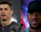"""Giữa scandal hiếp dâm, C.Ronaldo vẫn được Joshua """"khen ngợi"""""""
