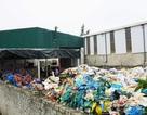 """Nghệ An: Người dân ngộp thở, sông bị """"bức tử"""" bởi xưởng sản xuất hạt nhựa tái chế"""