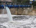 Hà Nội: Bọt nổi trắng xóa cả khúc sông Tô Lịch