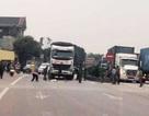 Bé gái 3 tuổi chạy ra đường bị xe tải tông tử vong