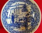 Tìm thấy chiếc đĩa sứ cực quý minh họa cảnh Thúy Kiều du xuân gặp Kim Trọng