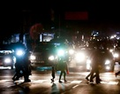 """Cuộc sống đảo lộn trong bóng tối tại """"những thành phố ma"""" ở Venezuela"""