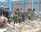 Vụ sập tường 5 người chết: Chó nghiệp vụ đến hiện trường tìm kiếm nạn nhân