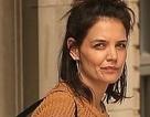 Katie Holmes ra phố sau tin đồn chia tay bạn trai