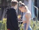 Justin Bieber và vợ lại trò chuyện căng thẳng