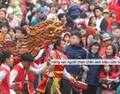 Hàng vạn người chen chân xem kiệu rước tượng thần ở Hà Nội