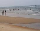 Cứu sống 2 du khách Hà Nội đuối nước trên biển Nhật Lệ