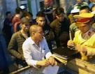 Hà Nội: Va chạm giao thông, tài xế ô tô dùng dao đâm thanh niên đi xe máy