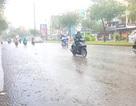 Cơn mưa bất chợt giải nhiệt Sài Gòn đang nắng nóng