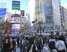 Cô gái khỏa thân chạy rông ở ga Tokyo, cảnh sát không thể bắt giữ