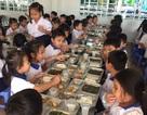Xảy ra ngộ độc thực phẩm: Hiệu trưởng chịu trách nhiệm