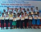 Quảng Ngãi:  Trao 140 suất học bổng cho học sinh vùng khó khăn