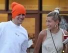Justin Bieber vui vẻ ra phố cùng vợ