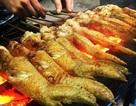 Hàng tấn chân gà, cánh gà đang phân huỷ bốc mùi hôi thối suýt tuồn vào nội địa