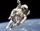 Giải pháp ngăn ngừa loãng xương cho phi hành gia bằng cách…rung chân!