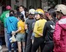 Người Hà Nội chen nhau xếp hàng mua bánh trôi ăn tết Hàn thực