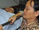 Mẹ bị ung thư khóc cạn nước mắt trước cảnh con bị tai nạn thập tử nhất sinh