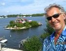 Người đàn ông xây đảo bằng chai nhựa suốt 7 năm để bảo vệ môi trường