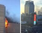 Cháy lớn tại trung tâm thương mại Thái Lan, nhiều người nhảy thoát thân
