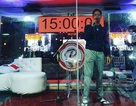 Ca sĩ hát liền 106 giờ không nghỉ để phá kỷ lục thế giới